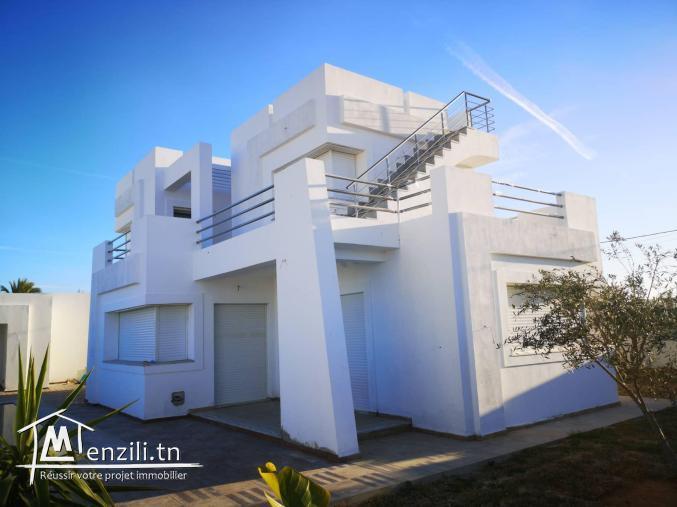 villa avec piscine V300