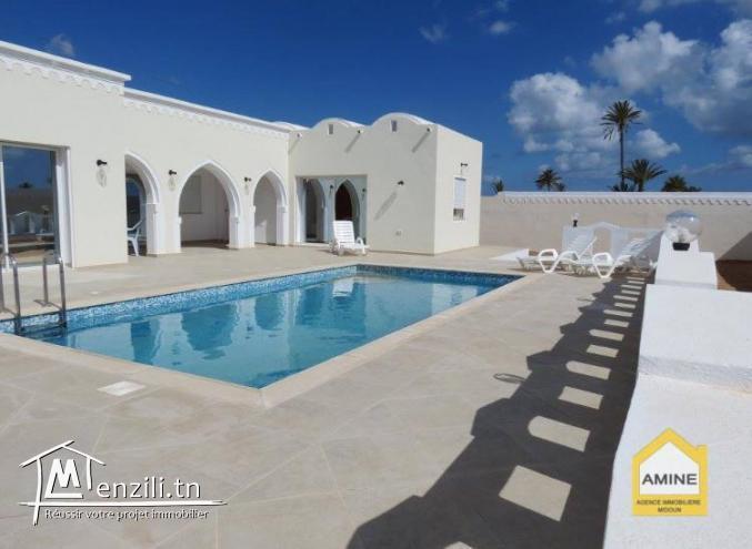 Très belle villa de Haut standing à Djerba Midoun à coté de la mer Tezdaine