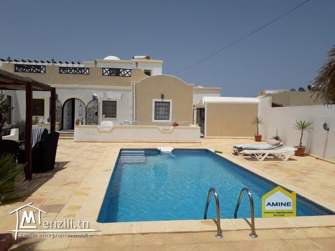 Une Splendide villa_Houch avec piscine + studio à Djerba Midoun à coté de la mer