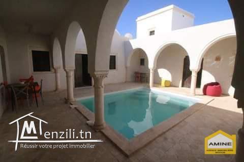 À vendre villa style Houch avec piscine récente à Djerba Midoun