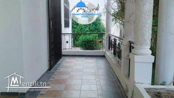 un immeuble à vendre khezama EST