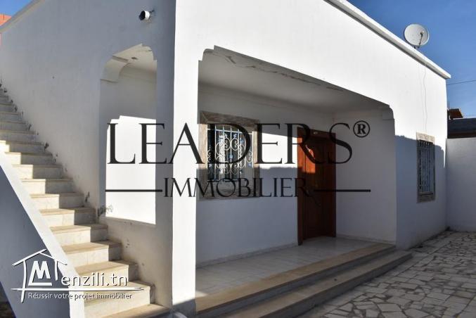 A vendre une maison  à 4 km de yasmine Hammamet