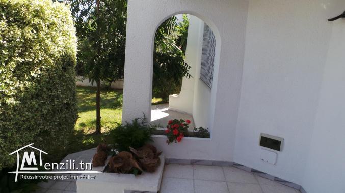 villa de luxe avec garage et grande jardin à Rades