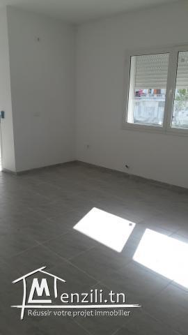 Appartement S+3 à Résidence Maysem Lakanya