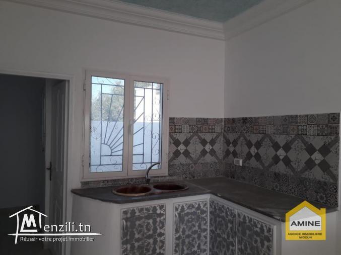 Jolie petite maison de plain-pied titré à vendre à Djerba Midoun.