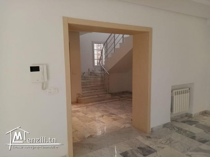 Appartement de 195 M2  à Sokra
