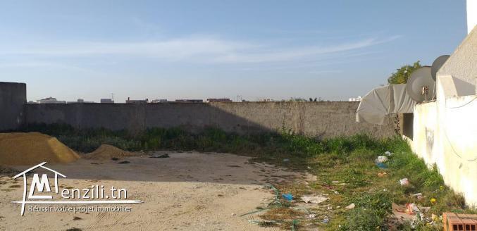 un terrain à Chotrana de 347 m2
