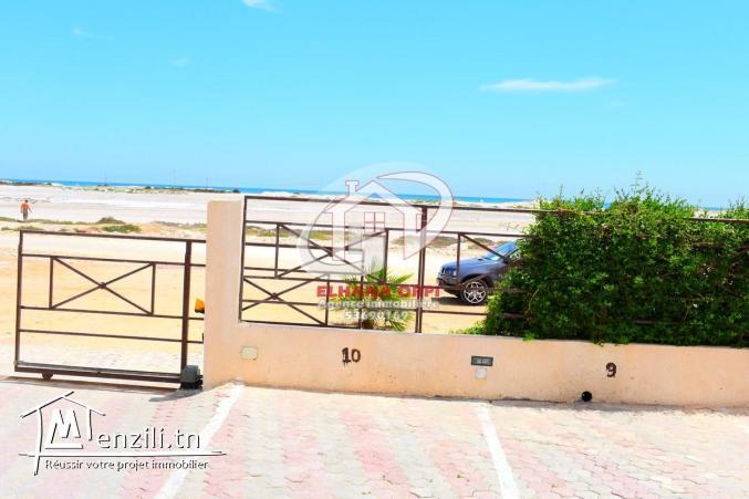 à louer appartement s+1 pied dans l'eau et vue sur mer baghdedi