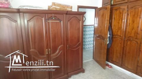 une maison spacieuse à Borj Louzir