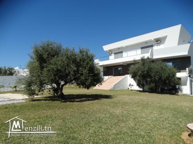 Villa SOMPTUEUSE (Réf: V1098)