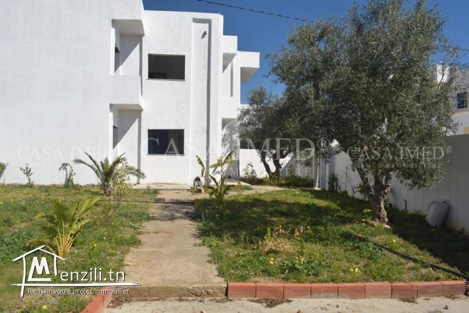 maison inachevée de 388 m2