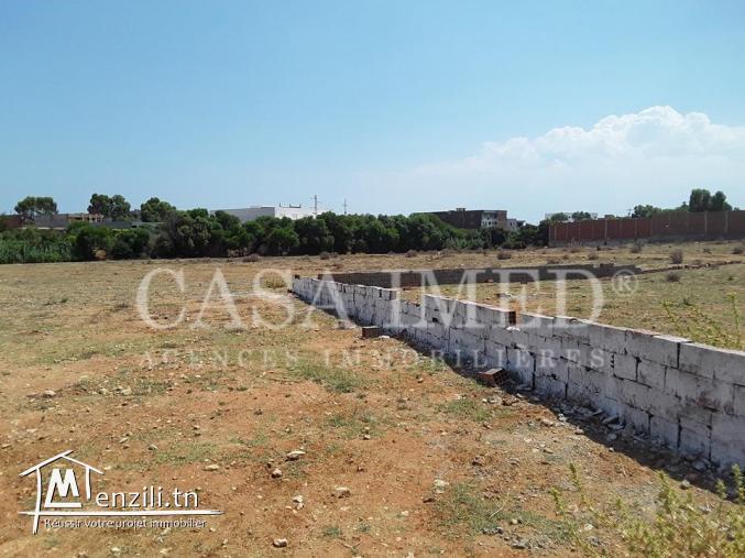 قطعة أرض في قليبية قريبة من جميع المرافق العمومية 152 م ²