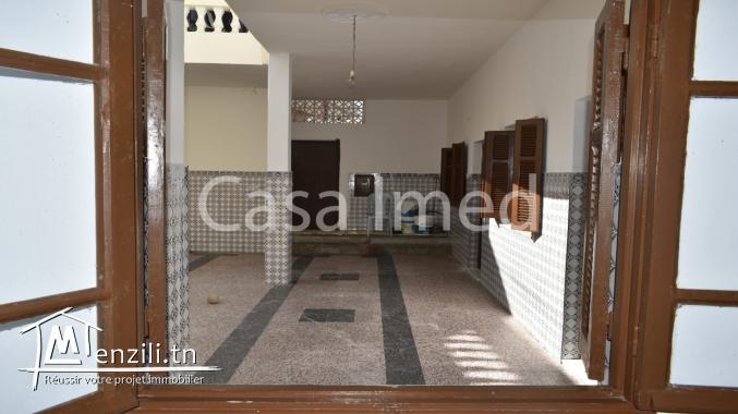 Maison 3 étages située à manouba –oued ellil