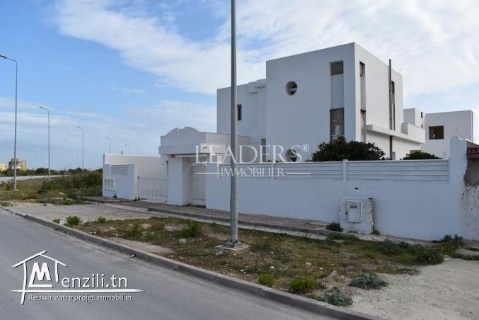 Duplex avec Piscine a Borj Cedria