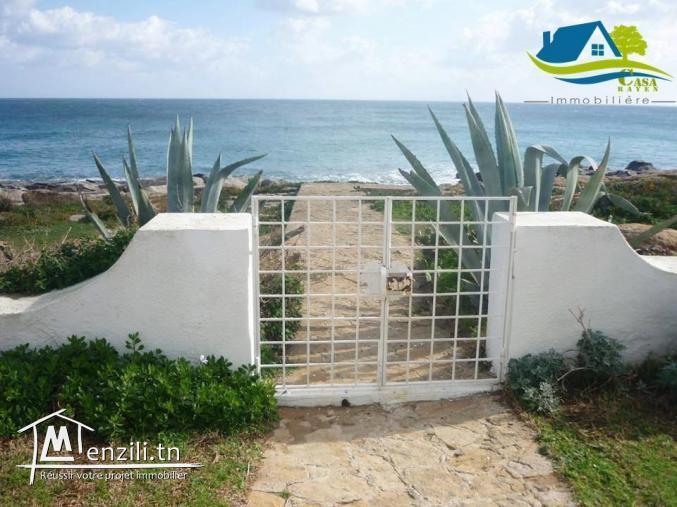 villa pieds dans l'eau à kélibia