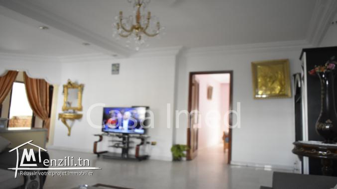 une  belle villa 3 étage situé à mannouba