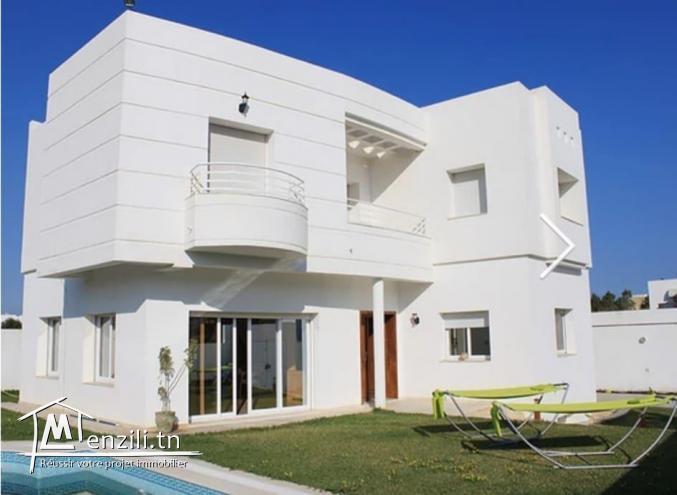 Villa richement meublée avec piscine