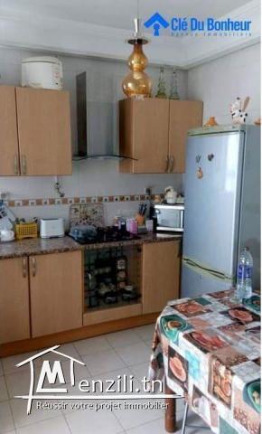 Appartement S+2 en bon état à La Soukra