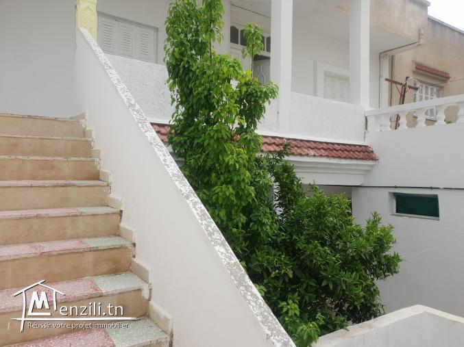 villa deux étages avec studio