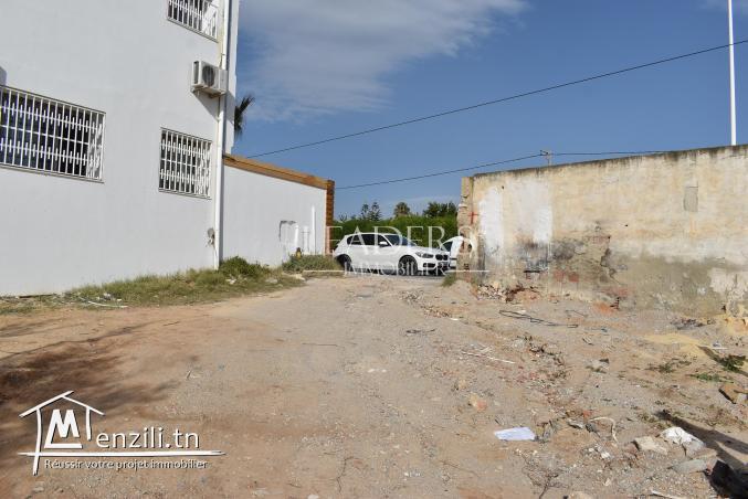 AV un terrain situé à route Craxi (Hammamet),
