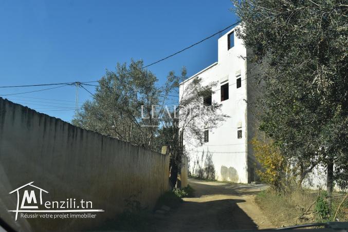 AV un superbe terrain de 188 m² situé à Hammamet route Birbouregba.