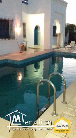 À louer une villa avec piscine à Aghir