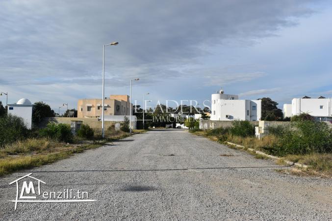 AV un terrain Yasmine Hammamet, près de la mer.