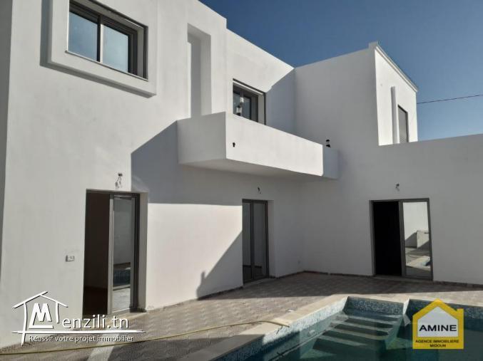 A vendre villa avec piscine zone urbaine Djerba Midoun