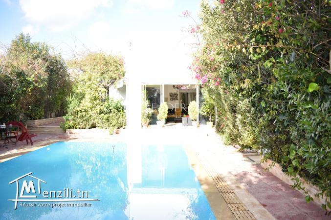 AV une villa avec piscine a Hammamet sud