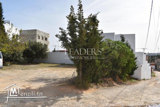 AV un terrain un terrain situé à Kharrouba Hammamet nord.