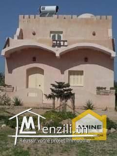 Belle Maison Décorée Et Meublée à Djerba proche de la mer