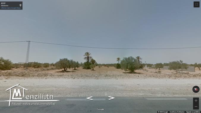 قطعة أرض للبيع بجربة مساحتها 2738م²