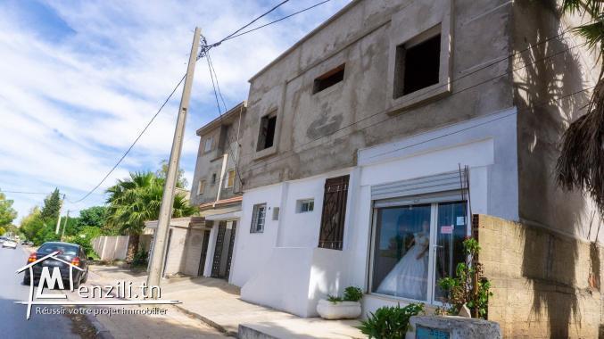 Villa (2 Maisons + 1 étage) avec une Boutique - à vendre