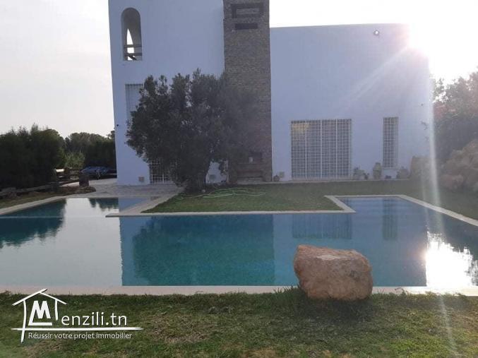 villa s+5 à louer situé à Hammamet