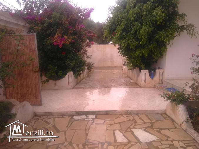 à louer jolie villa meublé à haouria plage (côté restaurant le pécheur)pour l'été