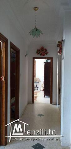 A vendre RDC d'une villa + etage de villa S+3