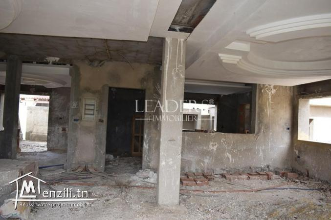 villa R+1 inachevée a Plage Ejjahmi Borj_Cedria.