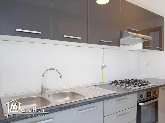 un bel appartement s+2 en location