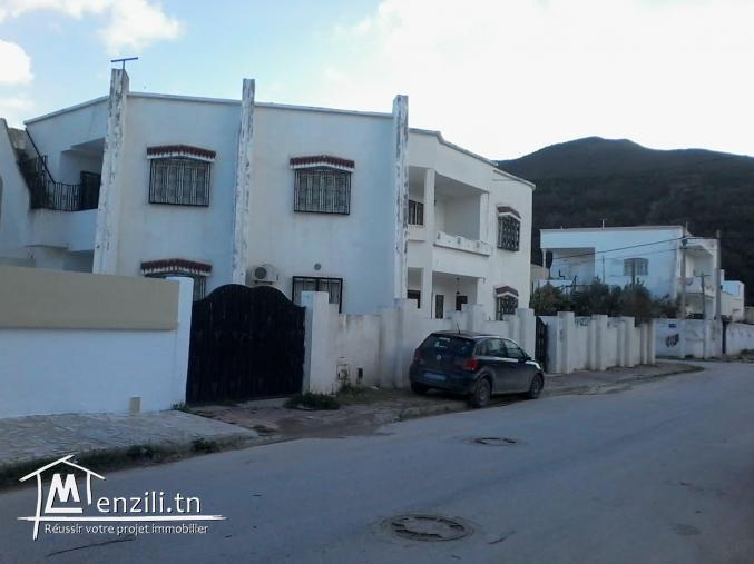 A vendre villa de 440 m² à Hammam Chatt