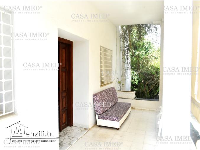 villa à zouhour 1 de  570 m²