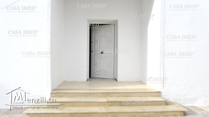 une belle villa de 842 m²  à mornaguia