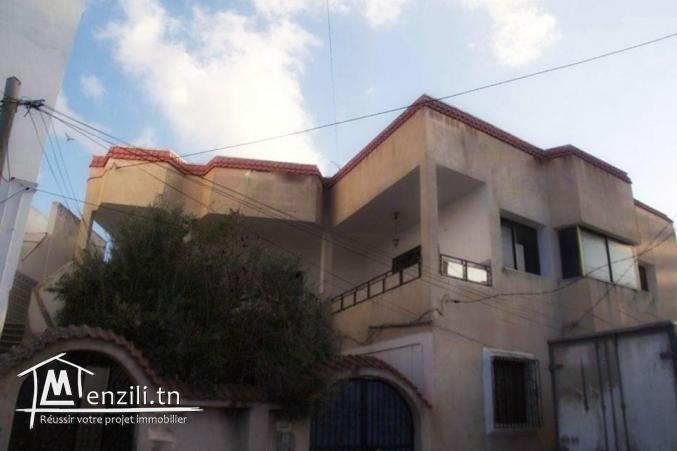 deux étages de villa totalement indépendante première et deuxième étages