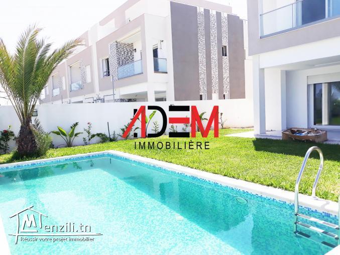 villa avec piscine et place parking pour deux voitures