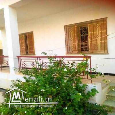 Villa à Ksar Hellal (garage /jardin /espace -arbi- /Majel ) 600 m²