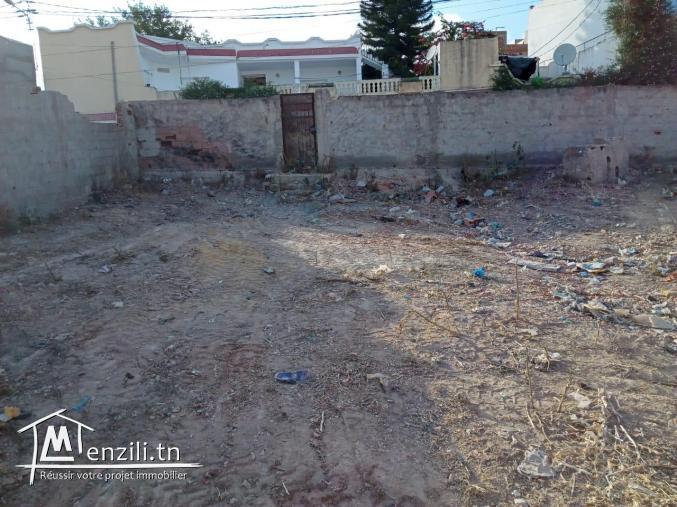 un terrain de 161.5 m2 a cité sahafa
