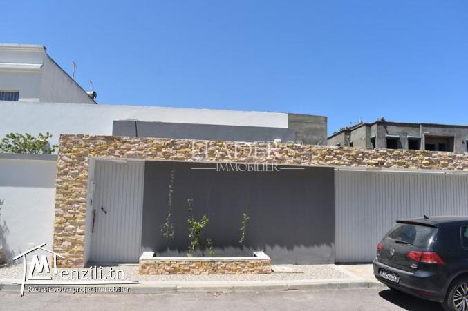 a vendre villa Haut Standing dans une zone prestigieuse a Boumhal