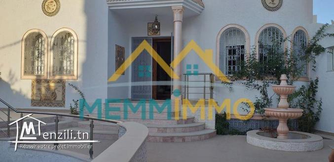 Villa de 7 pièces avec piscine- Zone Touristique Mahdia