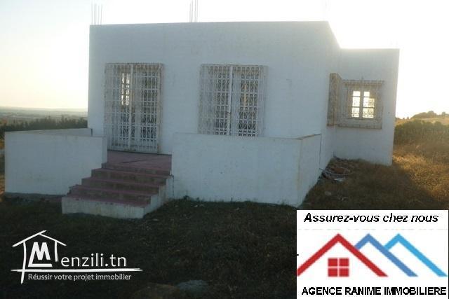 Maison ds terrain de 400m2 a el haouaria plage