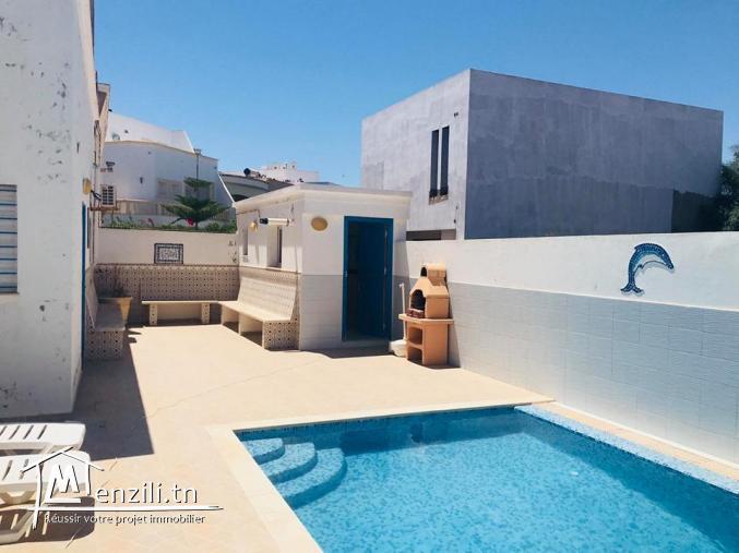 Une villa  avec piscine en S+3