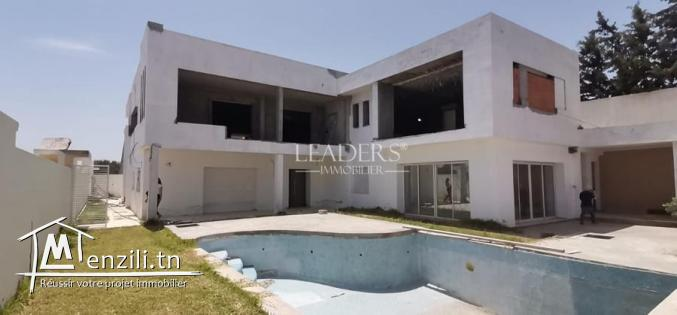 Villa inachevée avec piscine  a Hammamet Sud